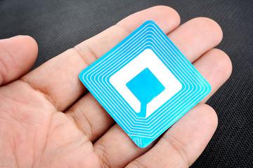 RFID-метка, возможно будет приклеиваться к дрону на несъемную часть в будущем
